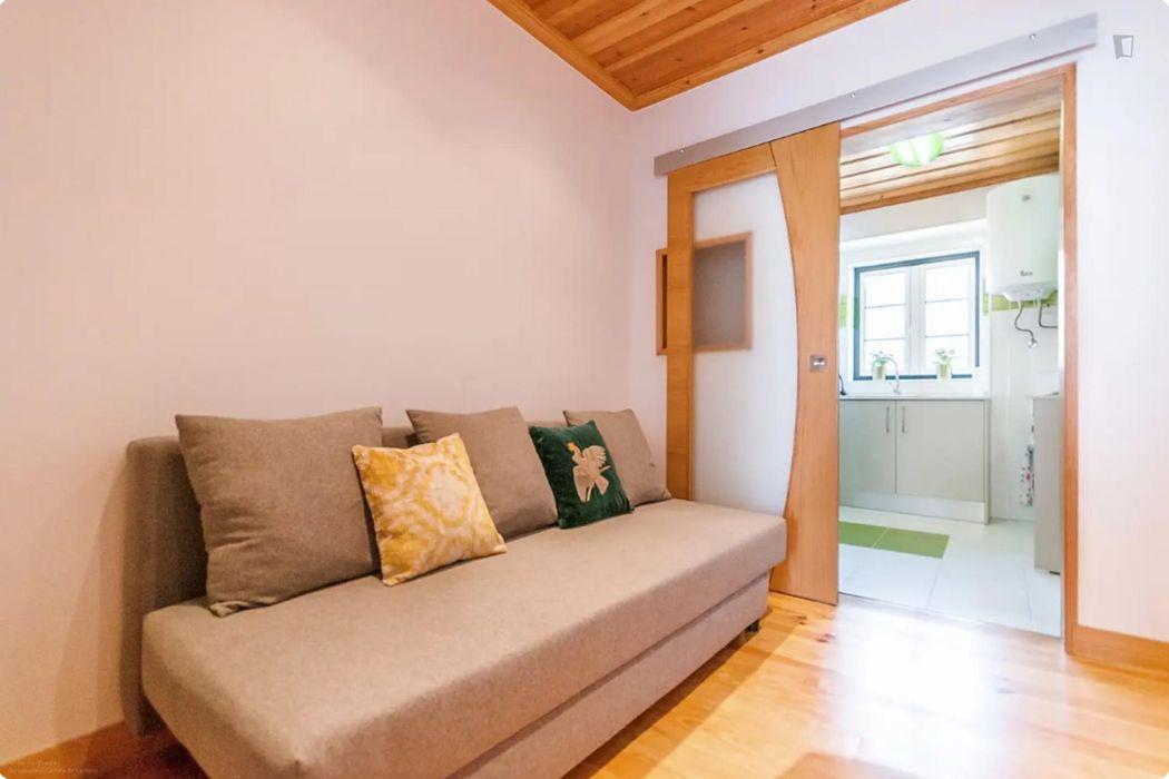 Vibrant 1 bedroom apartment in Alfama