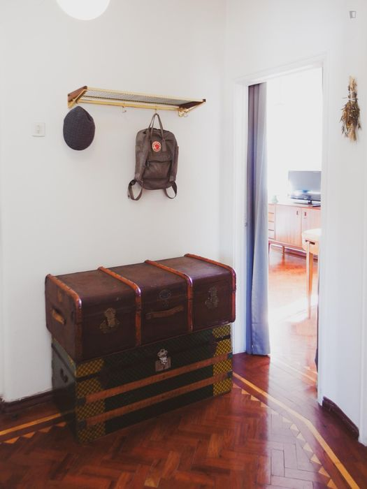 Double bedroom in a vintage 2-bedroom flat, in Arroios