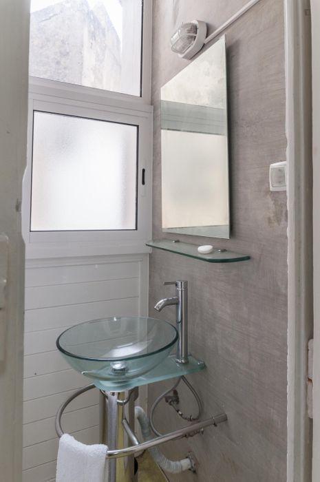 Spacious double bedroom with balcony near IST Técnico dta