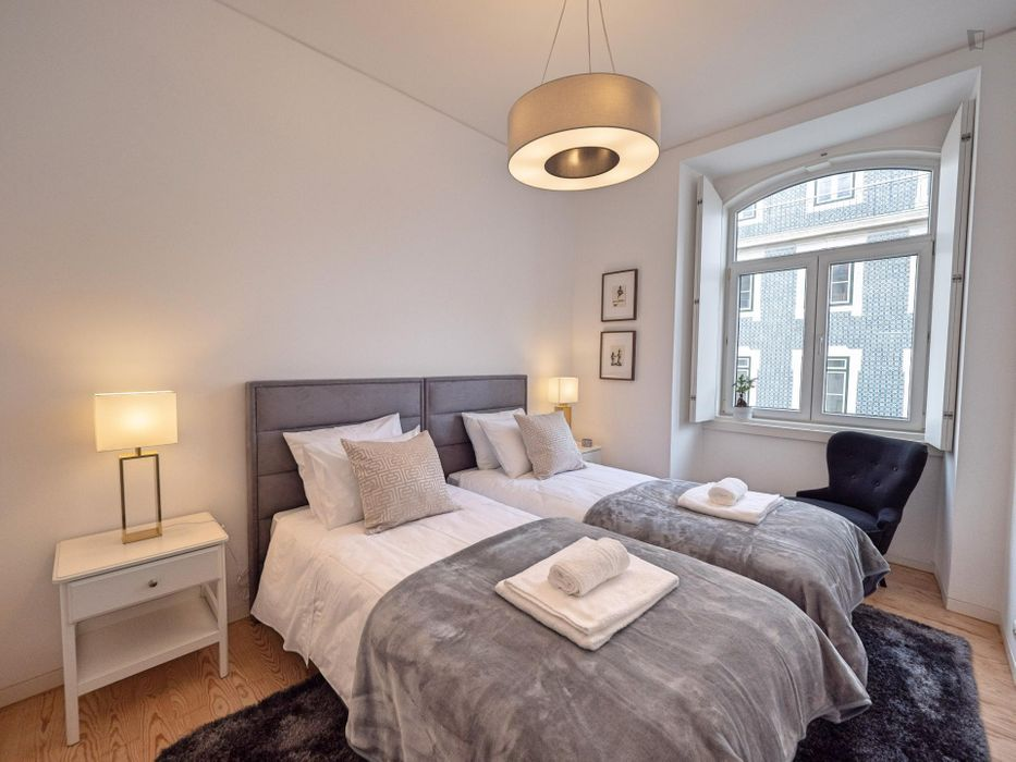 Modern 2-bedroom apartment in Lisbon's downtown