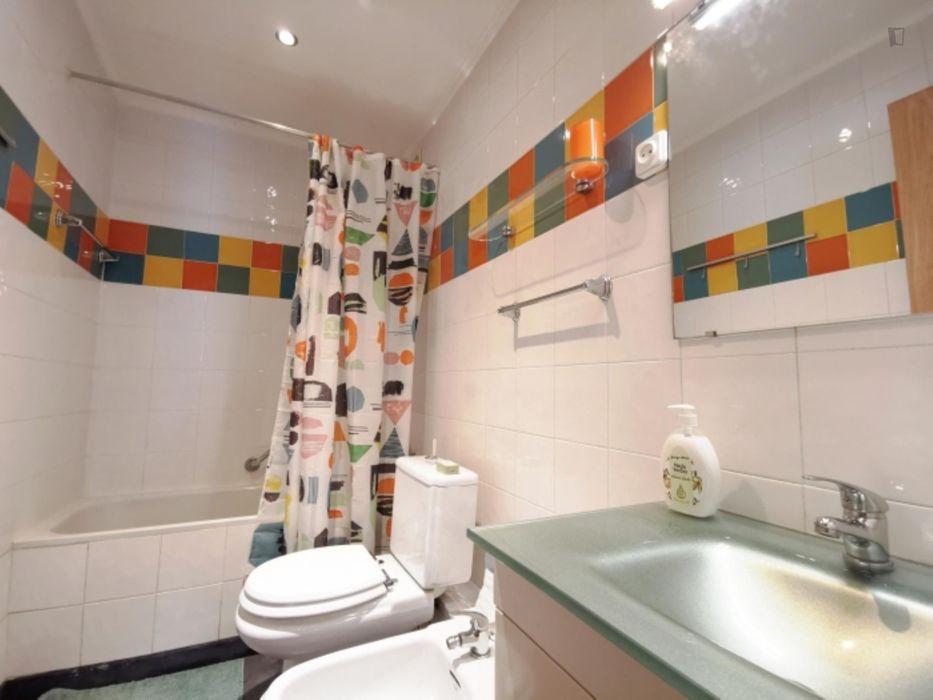 Lovely 2 bedroom apartment close to Encarnação metro