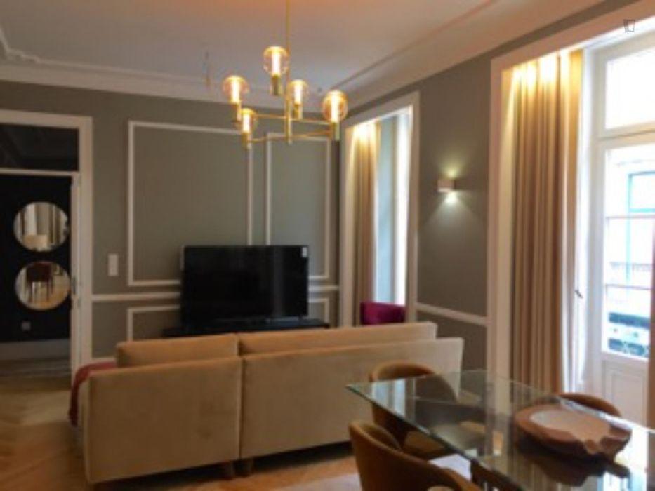 Luminous ensuite double bedroom