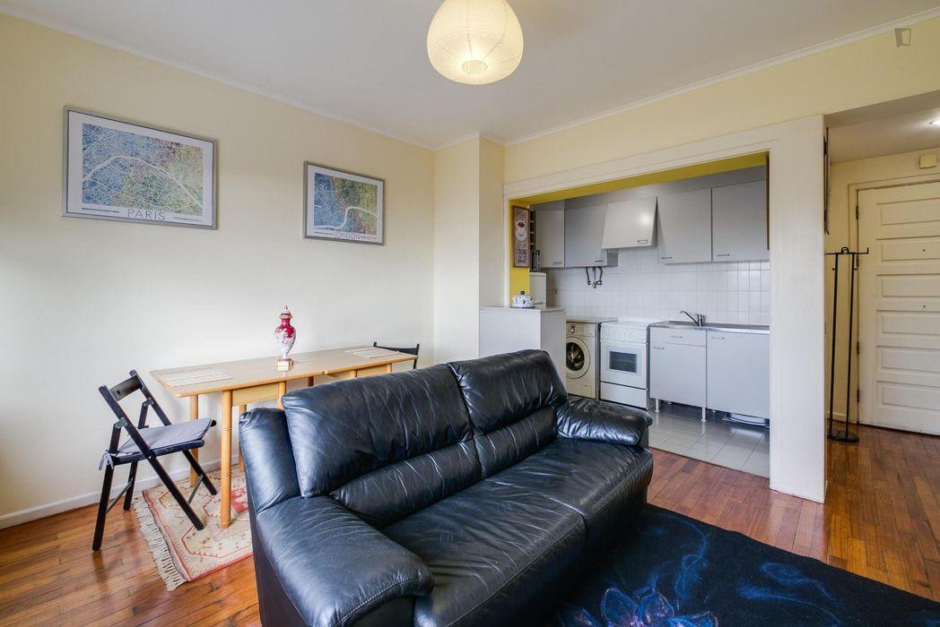 Intriguing 1-bedroom apartment not too far from Museu Nacional do Azulejo