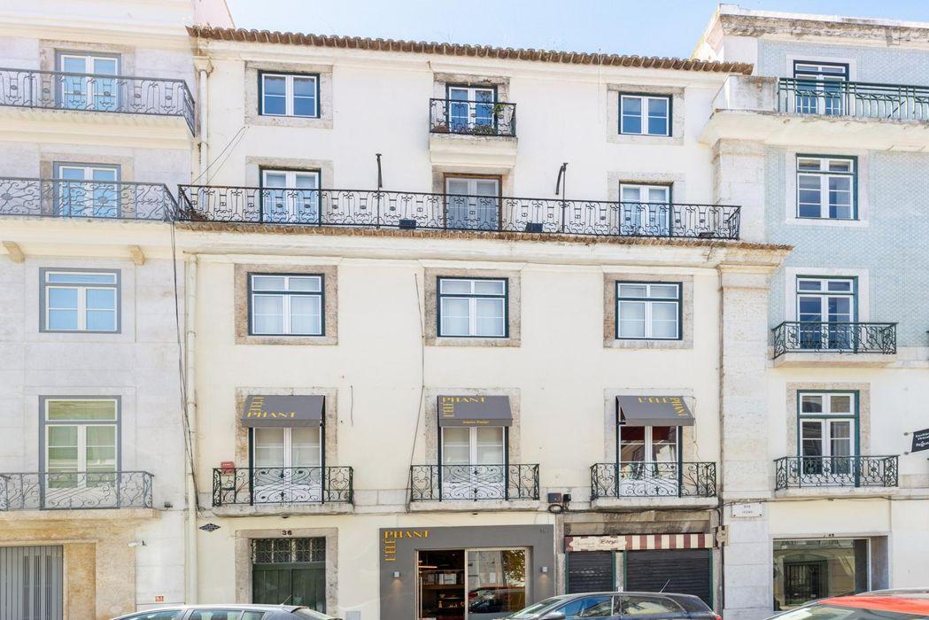 Charming 2-bedroom apartment close to Baixa-Chiado metro station