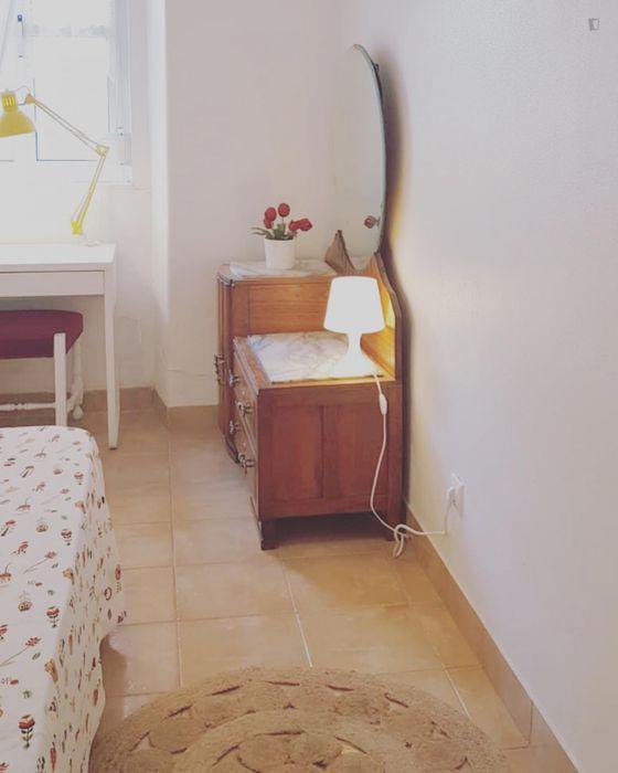 Bright double bedroom in multicultural Martim Moniz