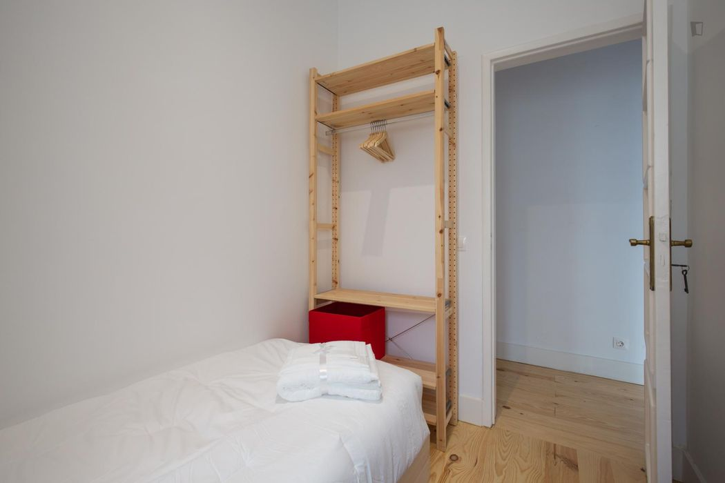 Student-friendly apartment close to Alameda Metro Station
