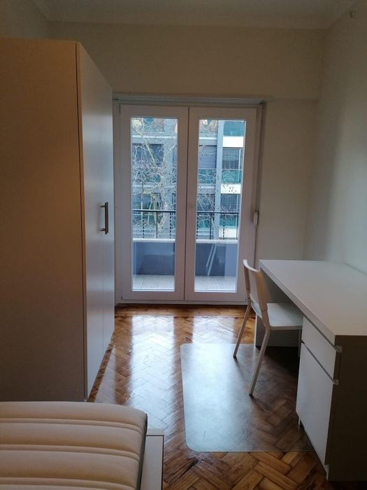 Amazing single bedroom close to Benfica train station