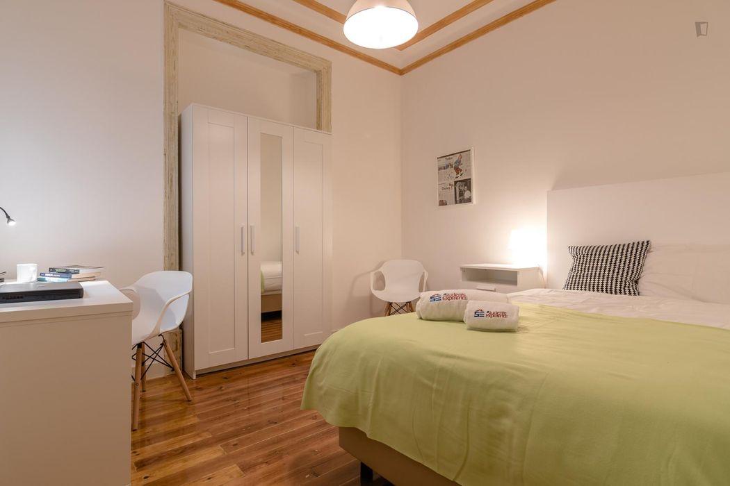 Attractive single bedroom close to Universidade Autónoma de Lisboa