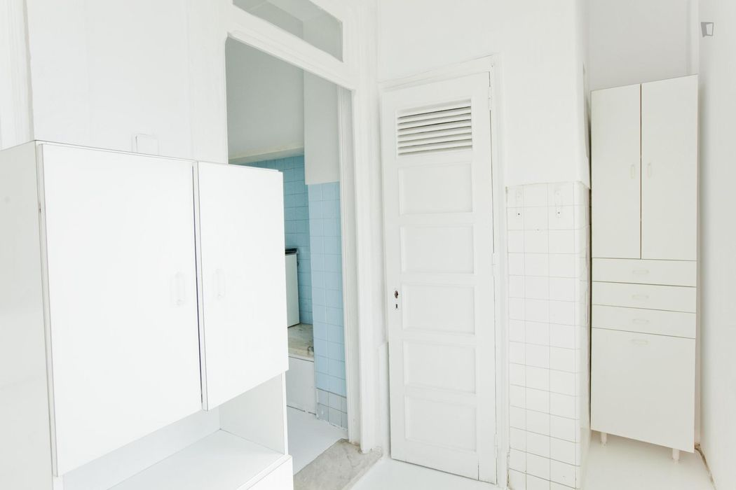 Double bedroom in 6-bedroom student apartment very close to IST