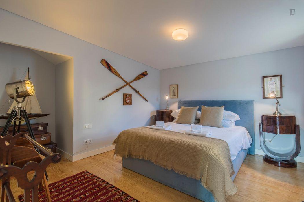 Enjoyable 1-bedroom apartment close to ISEG