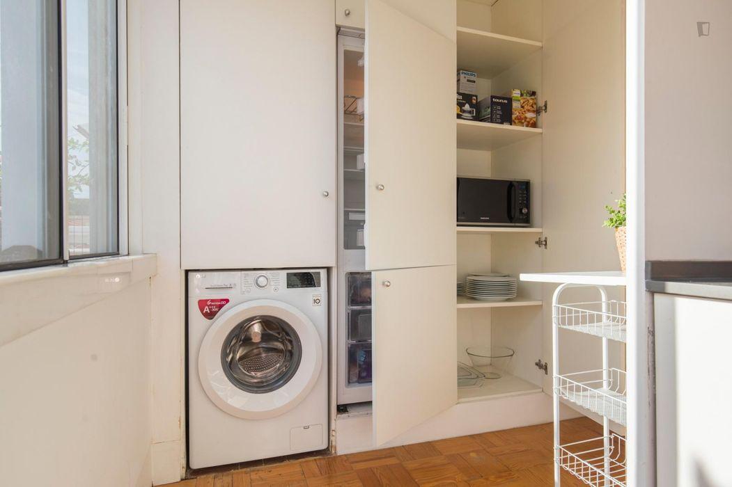 Pleasant 2-bedroom apartment close to Alvalade subway station