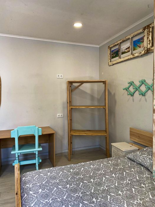 Twin bedroom in Costa da Caparica