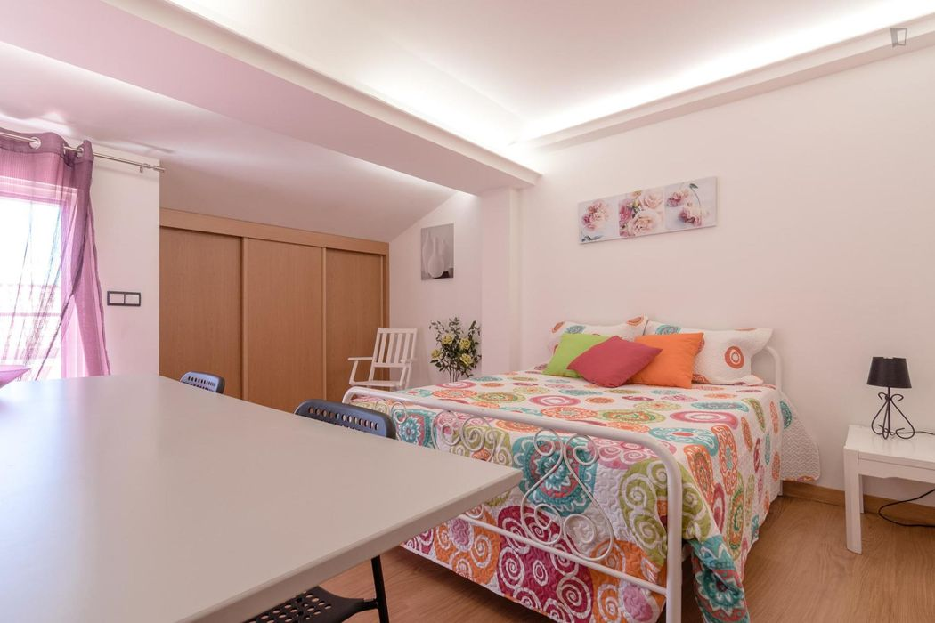 Great looking double bedroom not far from UAL - Universidade Autónoma de Lisboa