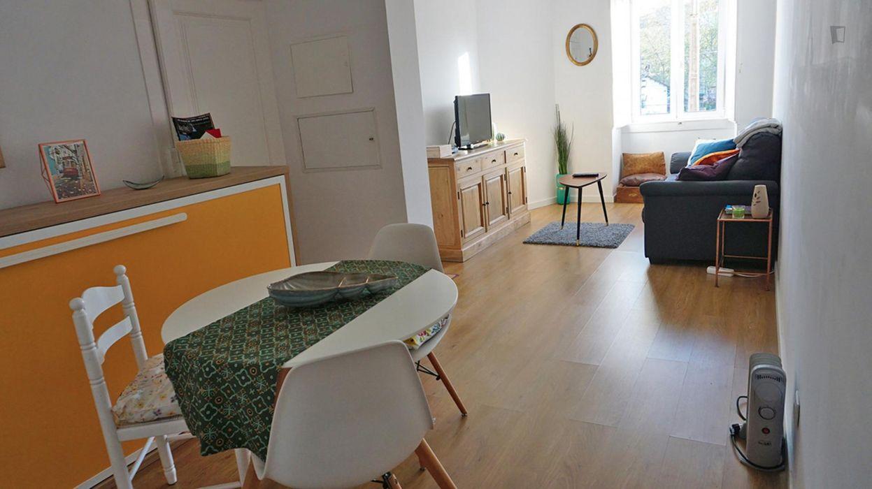 A CASA LARANJA - Cozy 1-bedroom apartment in Alcântara