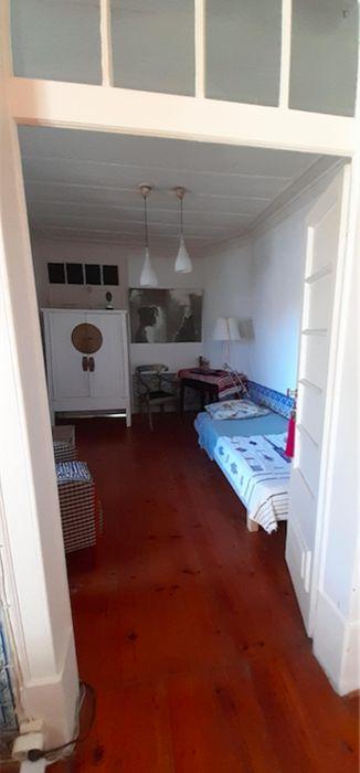 Very nice single bedroom close to Escola Superior de Educação de Almeida Garrett