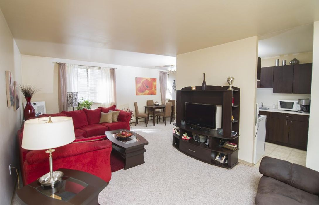 Student accommodation photo for 611 Jefferson in Garden City, Winnipeg