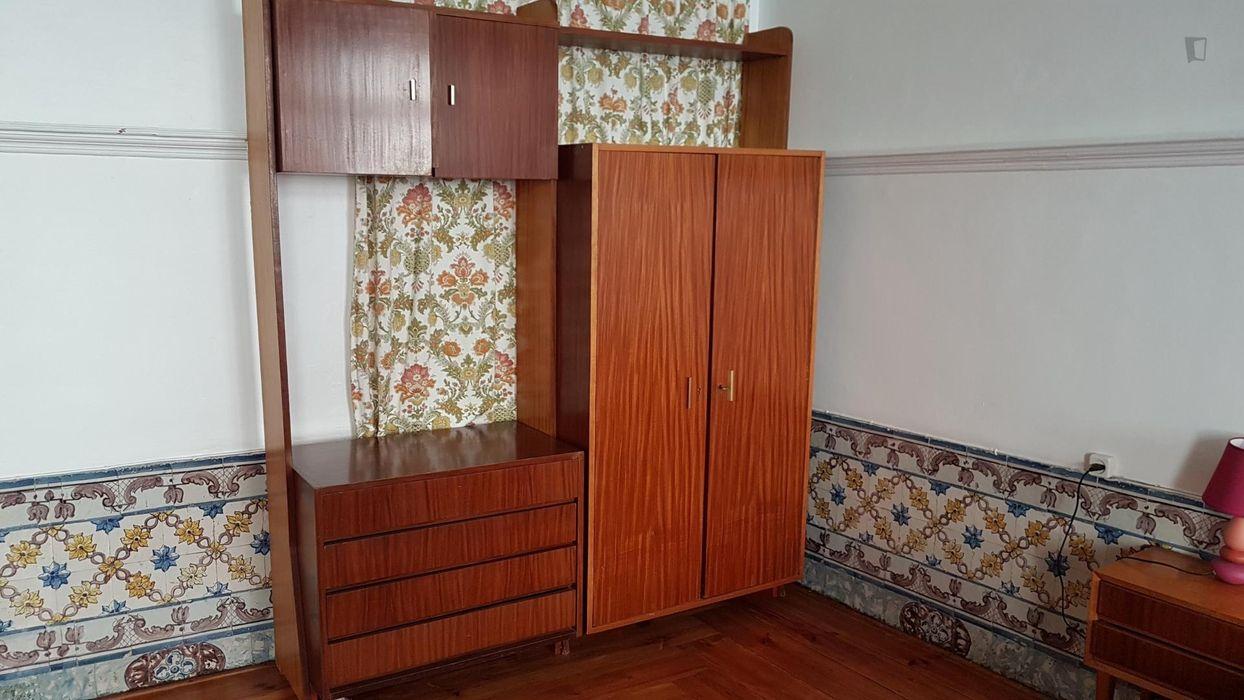 Single bedroom with private Office near Praça Luís de Camões