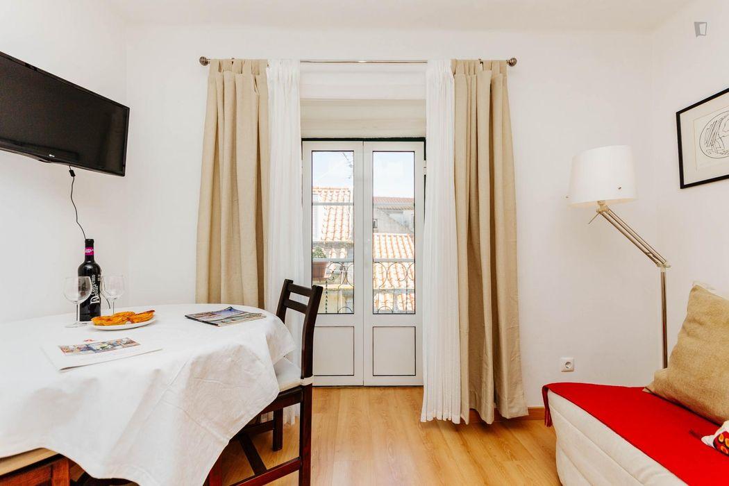 1-Bedroom apartment near Elevador da Glória tram stop