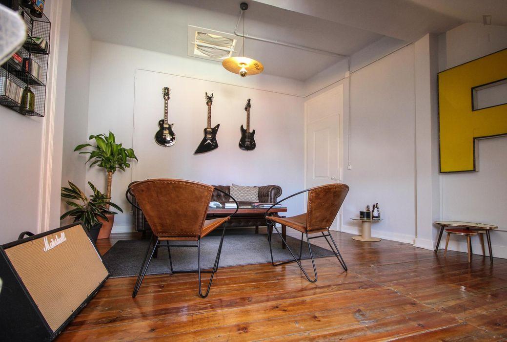 Multiple beds bedroom in 4-bedroom apartment