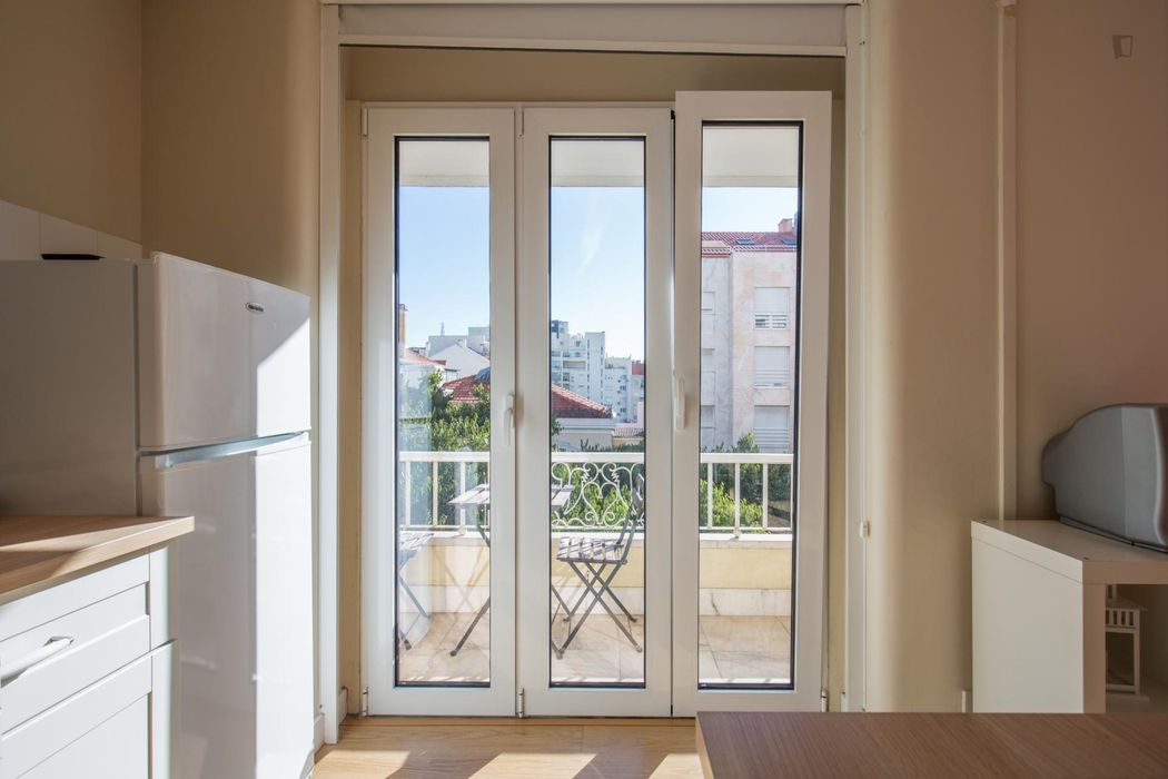 Splendid studio with balcony next to Saldanha metro station