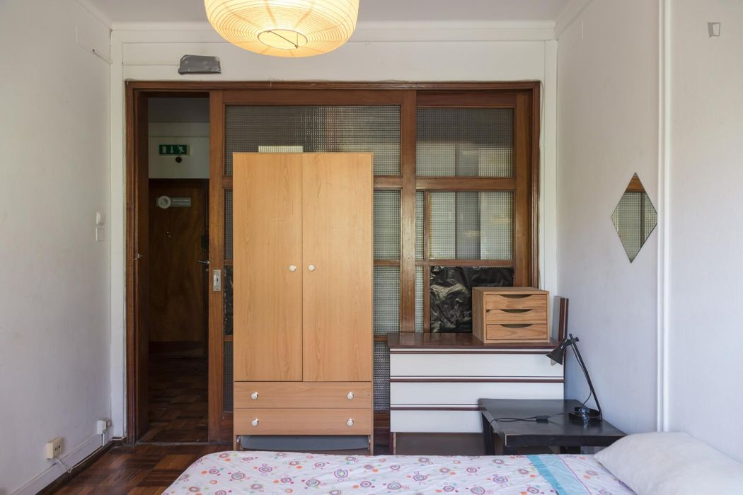 Lovely double bedroom near to the Saldanha metro station