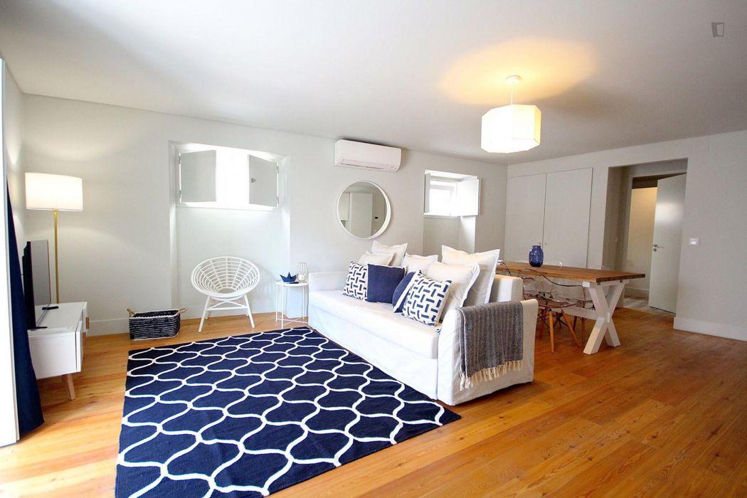 Inviting 2-bedroom apartment in Santos