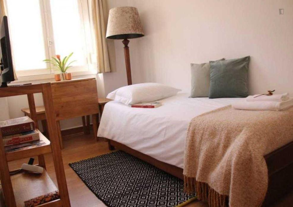 1-Bedroom apartment near Intendente metro station