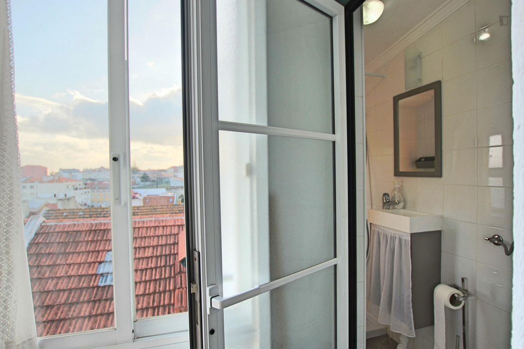 Nice and well-equipped 1-bedroom apartment in Lisbon