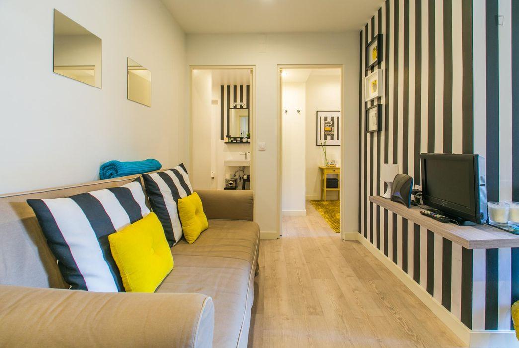 Modern 1-bedroom flat close to Anjos metro station