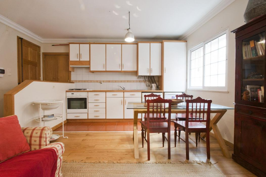 Bright and comfortable 1-bedroom apartment near to Campo de Ourique