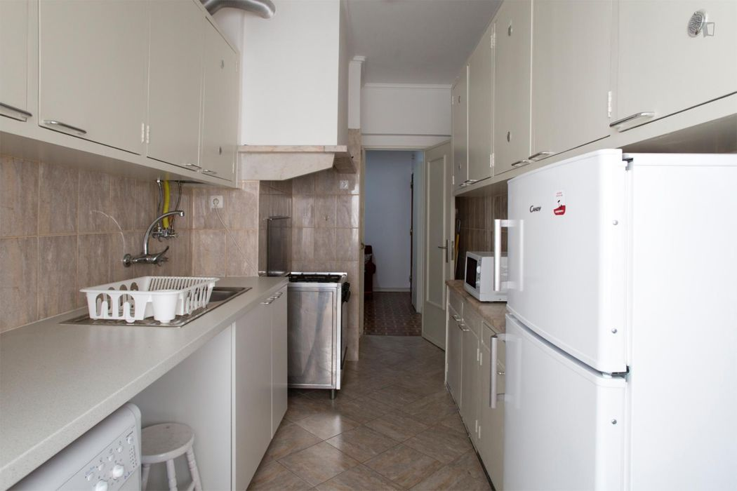 Good looking double bedroom close to Instituto Superior de Agronomia