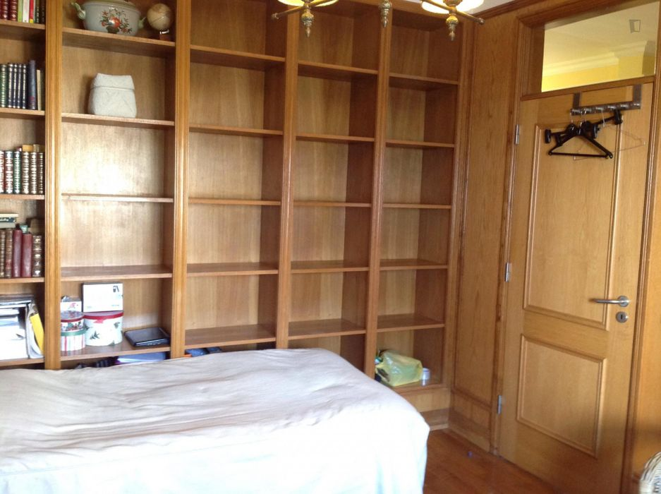 Good looking double bedroom close to Alvalade metro station