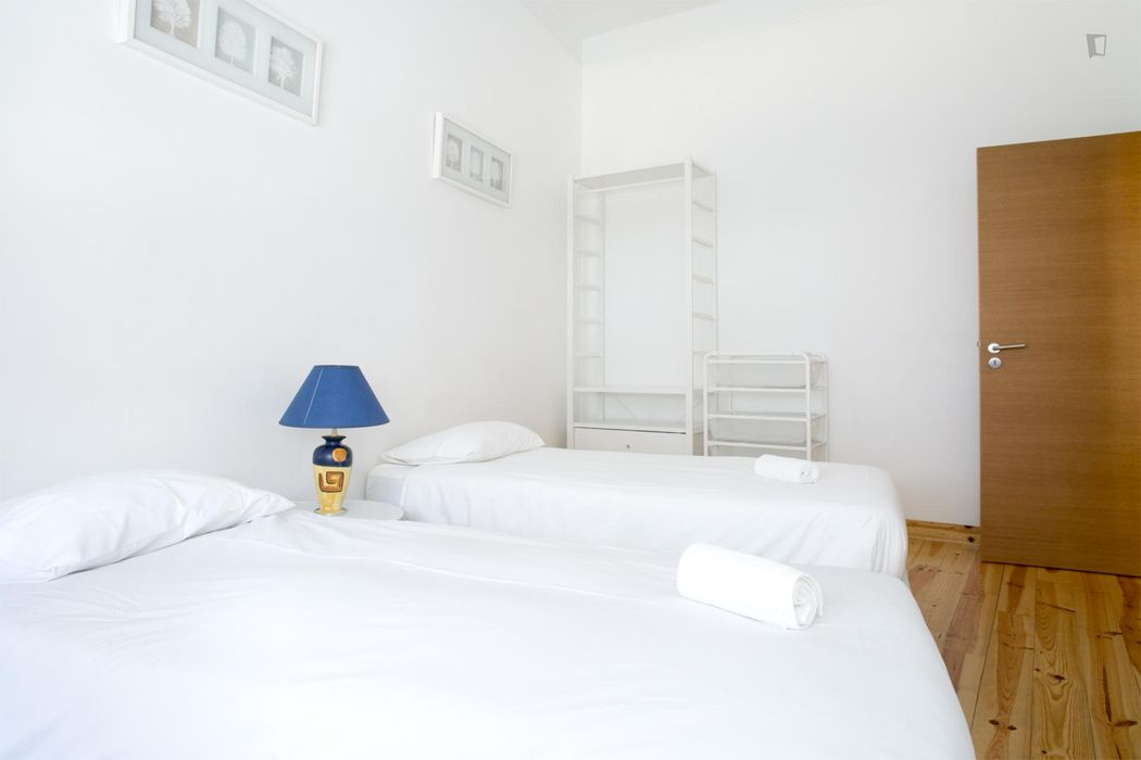 Bright 2-bedroom apartment close to Intendente metro station