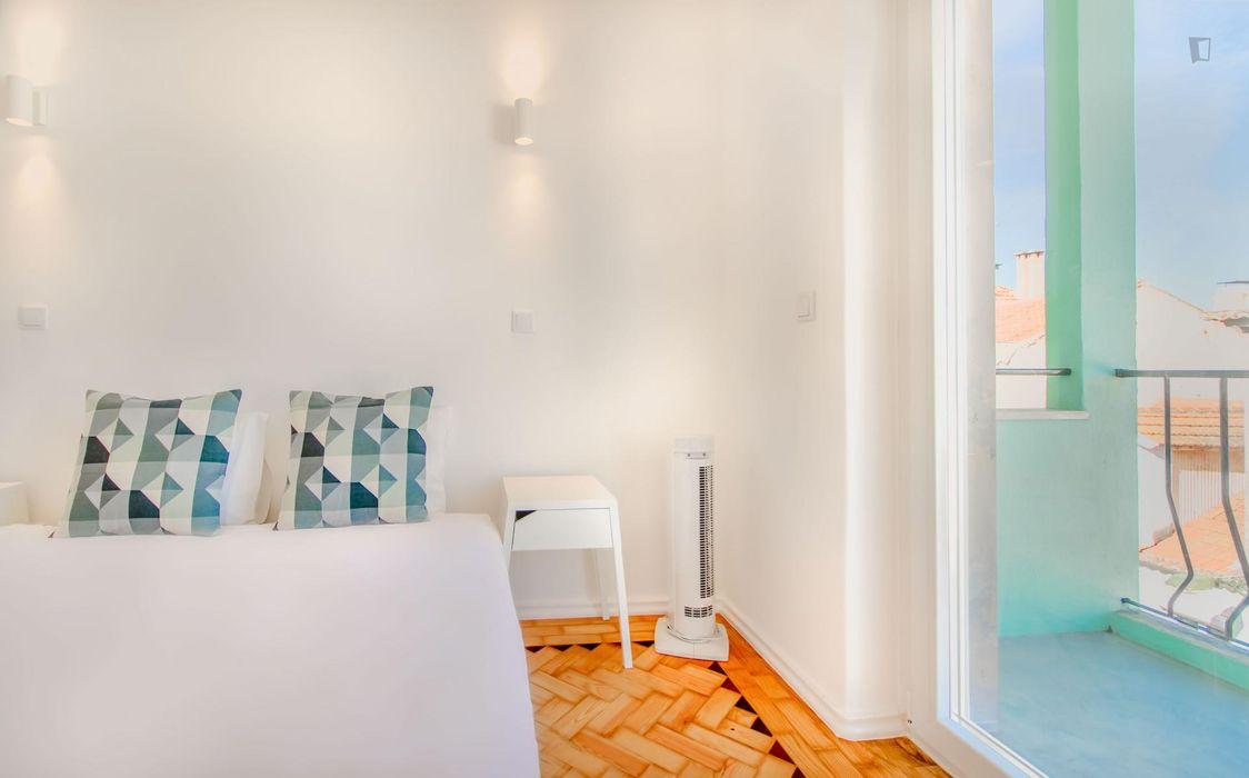Bright 2-bedroom apartment near Capela de Santo António Vale