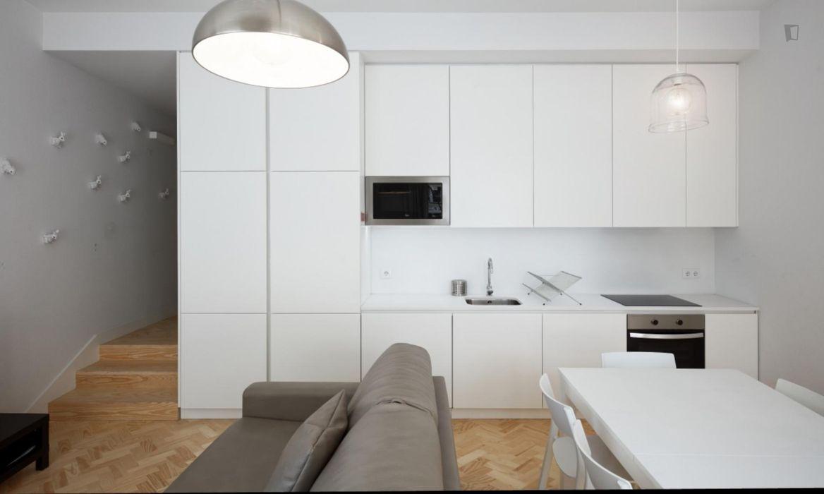 3-Bedroom apartment near Chafariz d'El Rei
