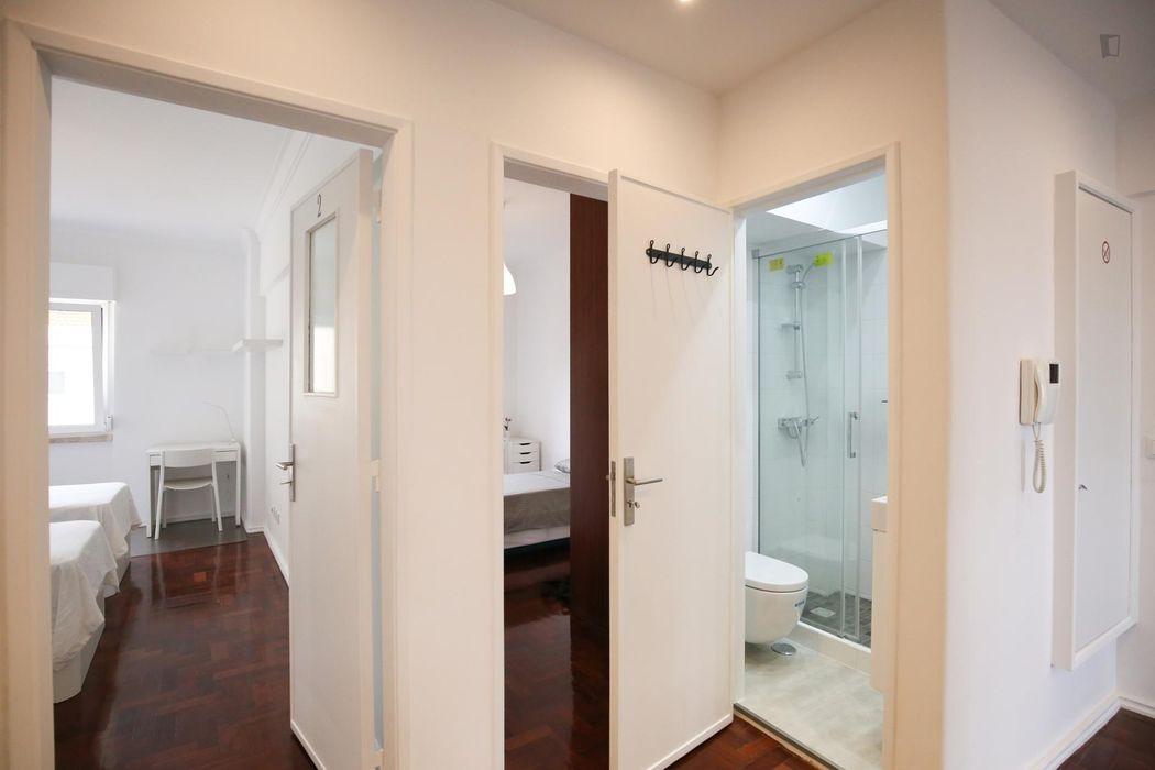 Twin bedroom in 4-bedroom apartment