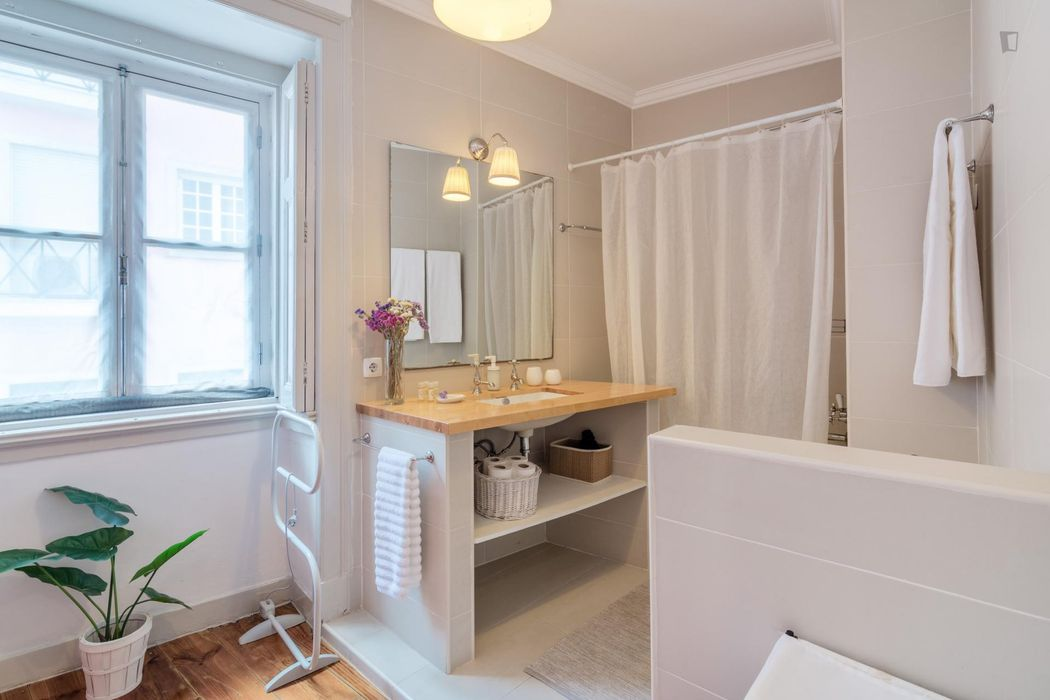 Classy 2-bedroom apartment in Santos close to the Santos train station