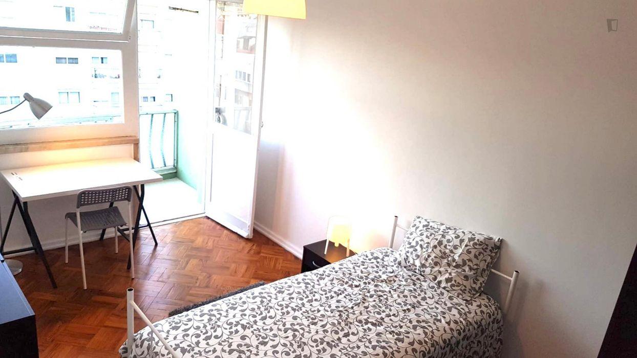 3-Bedroom apartment near Jardim da Estrada dos Arneiros