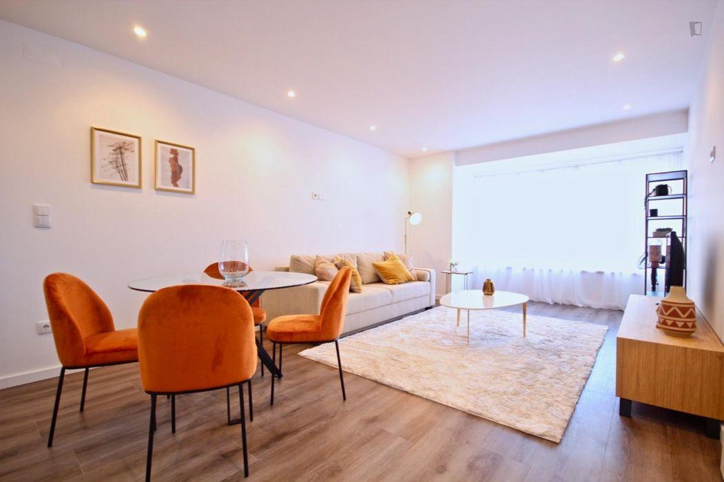 Snug 1-bedroom flat in Sete Rios
