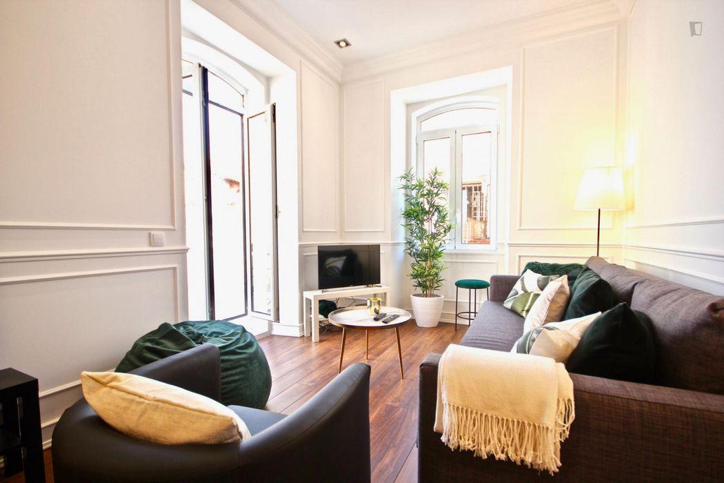 Elegant apartment in Campolide