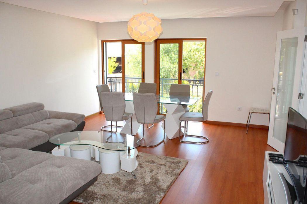 Luxurious 2-bedroom apartment in Amadora