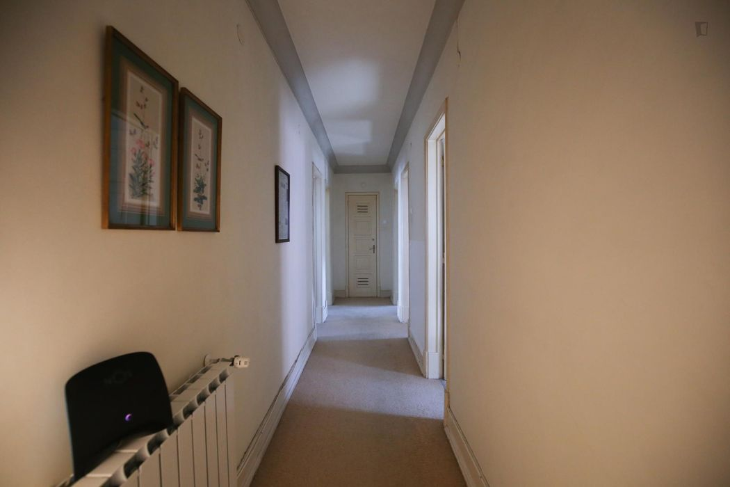 Welcoming single bedroom near the Roma-Areeiro train station