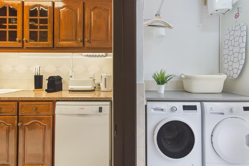Elegant 3-bedroom apartment near Farol da Guia