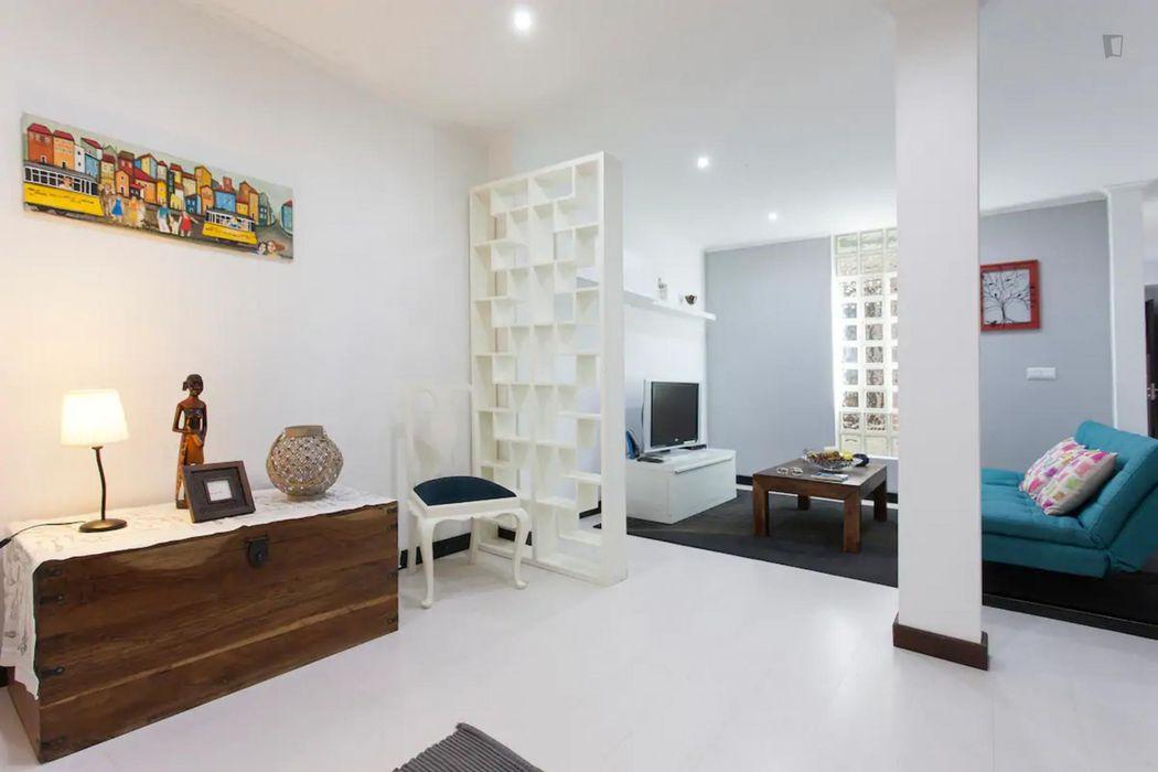 1-Bedroom apartment near ISEG