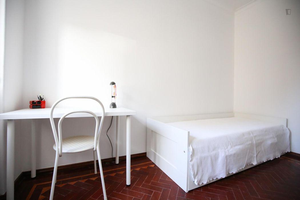 Charming and cosy single bedroom in Paço de Arcos