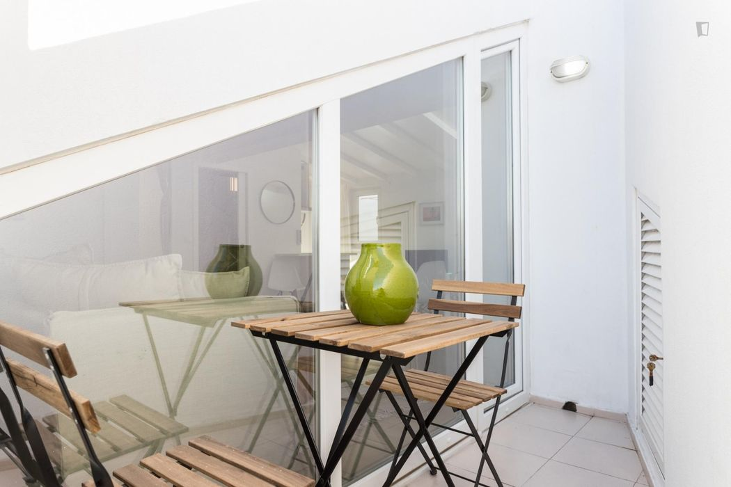 1-bedroom apartment, in the most vibrant area of Lisbon with a view.