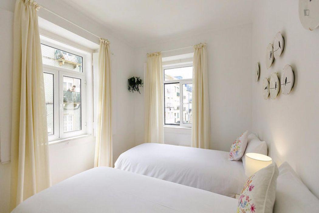 Excellent 2-bedroom apartment in Santa Apolónia
