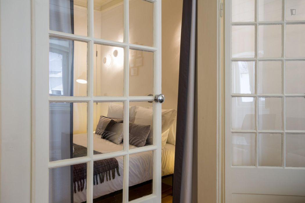 Bright 2-bedroom apartment in Bairro Alto