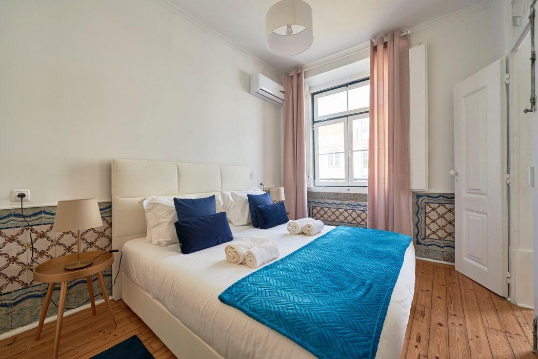 Wonderful 3-bedroom apartment near Rossio metro station