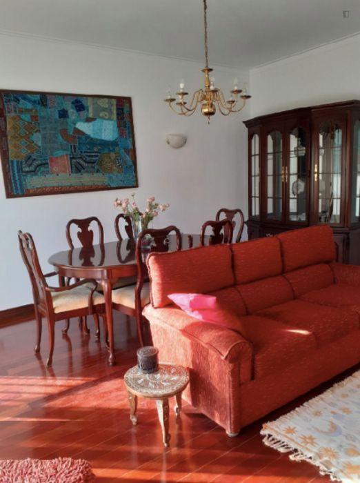 Comfy single bedroom in Benfica